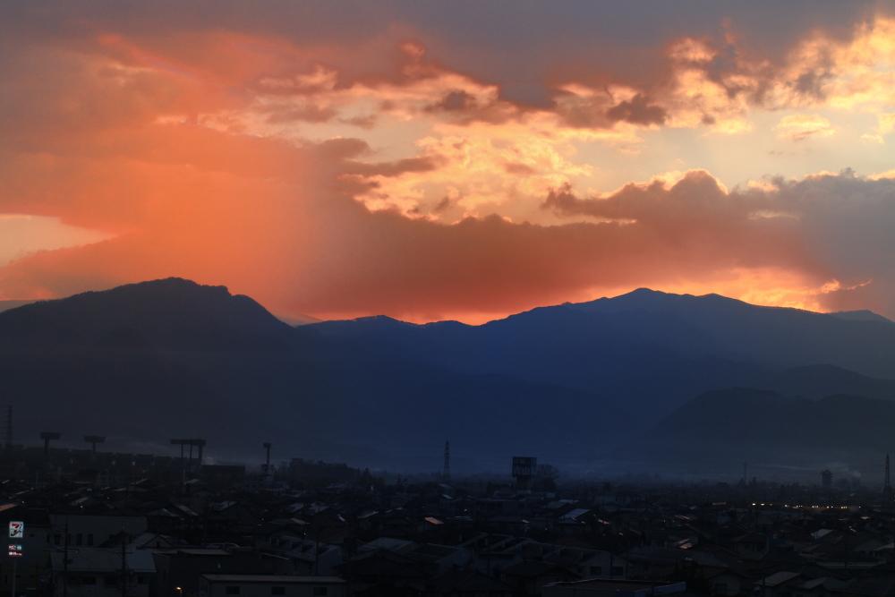 長野の朝焼け-a.JPG